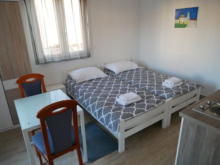 Studio Apartment#3, 5 min beach★,parking★,shop★