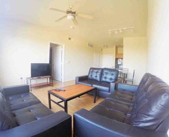 Comfy & Calm West Campus FULLY EQUIPPED+King Size