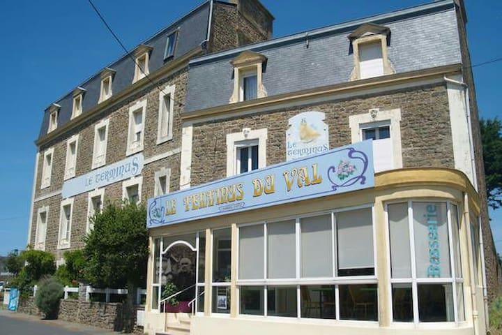 Chambre d hôtes à 2 mn de plage - Saint-Malo - House