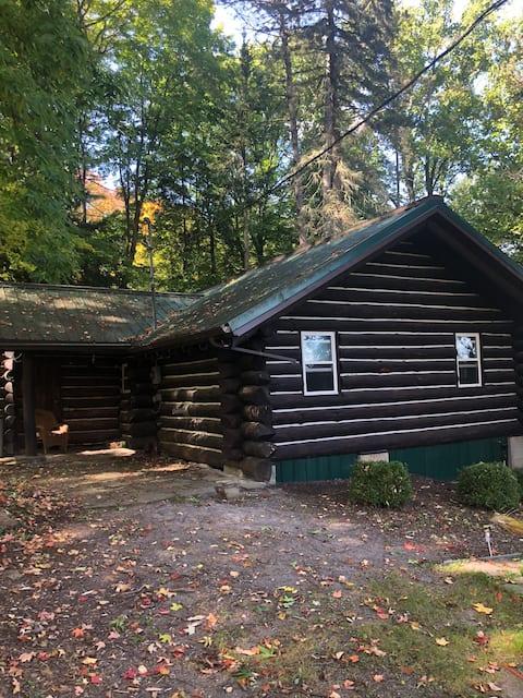 Private Log Cabin on Rushford Lake