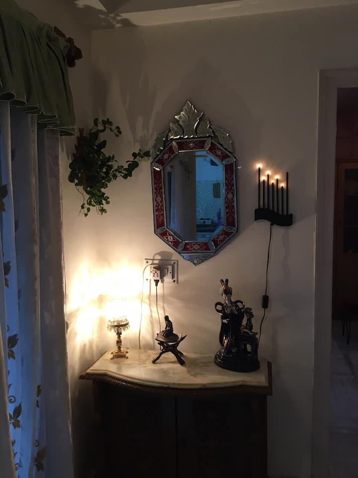 Lucky 6| Quaint 2 bedroom apartment