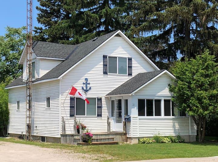 Blue Anchor Cottage 2 min walk to Strip