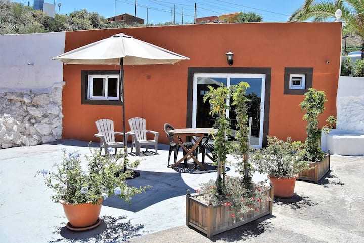 NICE COTTAGE WITH POOL  TENERIFE SOUTH
