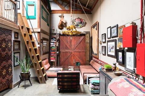 Comuna Factory Celestial Room