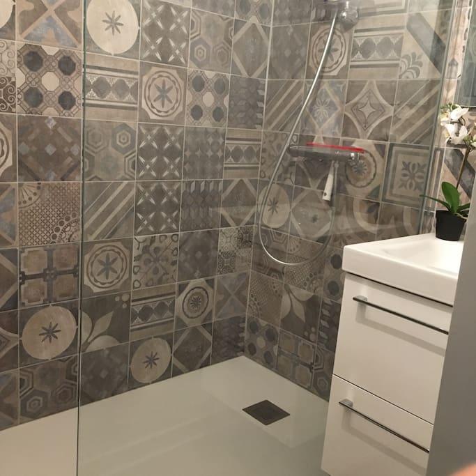 coin douche/cabinet de toilette