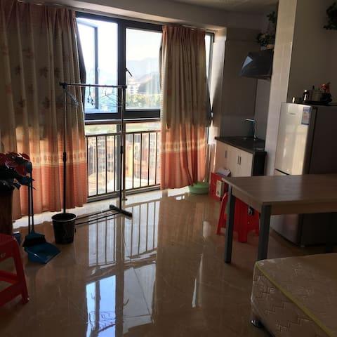 敞亮温馨大房间 - Shenzhen Shi - Apartament