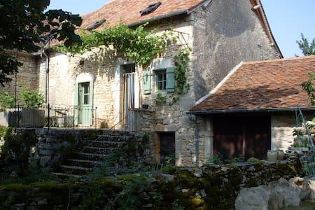 Mas de Laurensou - Grèzes - Rumah