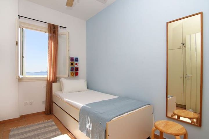Single Bedroom with pull out bed to sleep up to 2 children or 1 adult