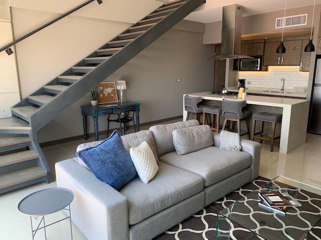 Loft en PH de dos pisos con rooftop privado