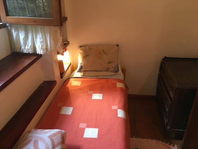 Habitación privada en rio ceballos - Unquillo - House