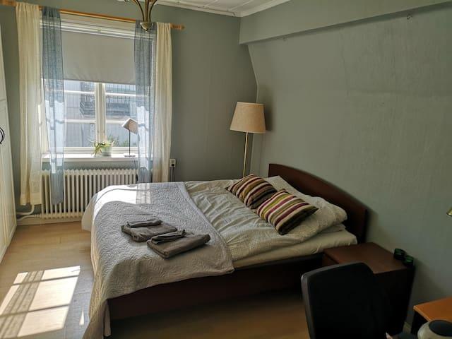 Cozy doublebed room