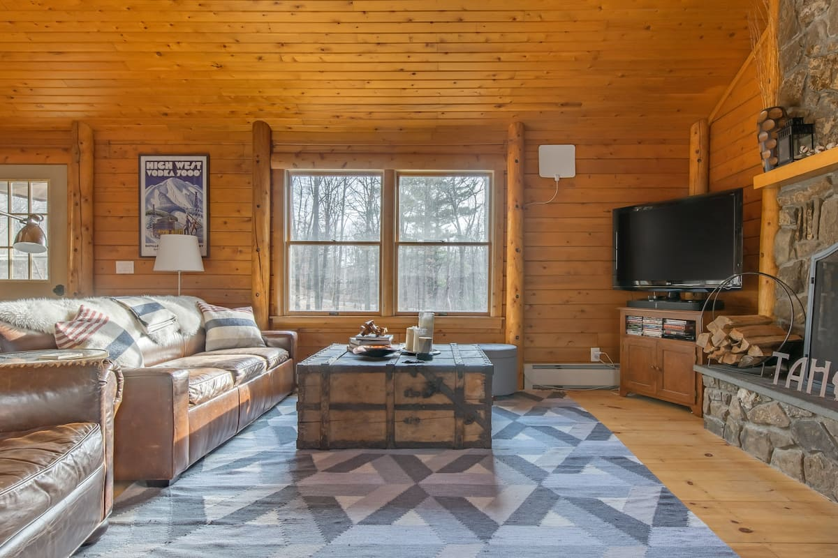 Modern Cabin Tucked Into the Woods, Fifteen Min to Hudson