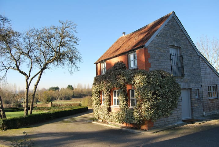 Cute cottage with views of Glastonbury Tor - Somerset - Huis