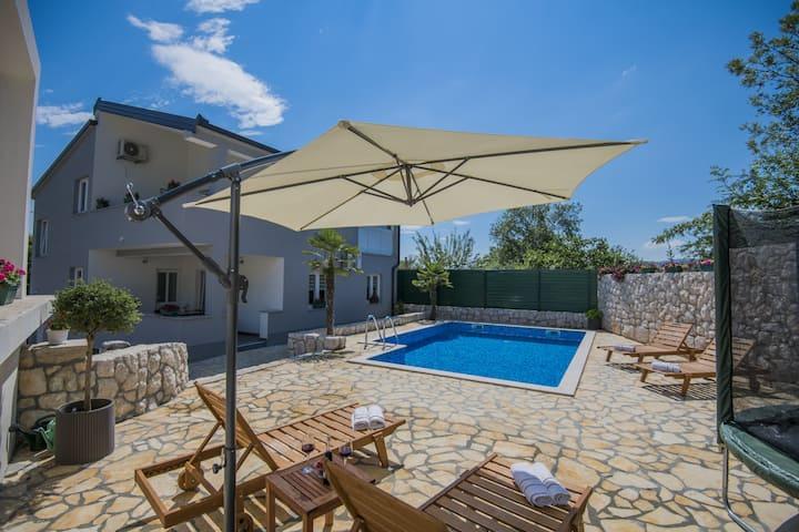Villa Natalija - Four Bedroom Villa with a Private Pool