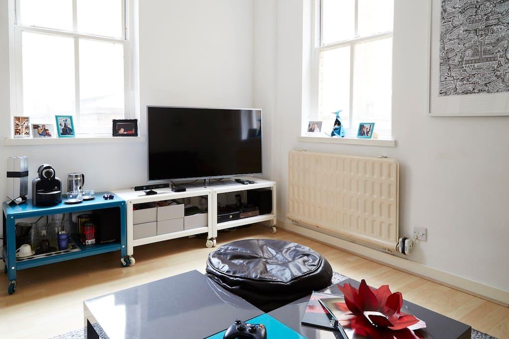 Flat screen TV/Netflix/Xbox