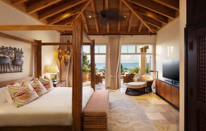 Luxurious Premium Suite in Grand Tropical Mansion