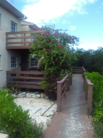 Casual Island Living  - 10 minutes from everywhere - Providenciales - Appartement