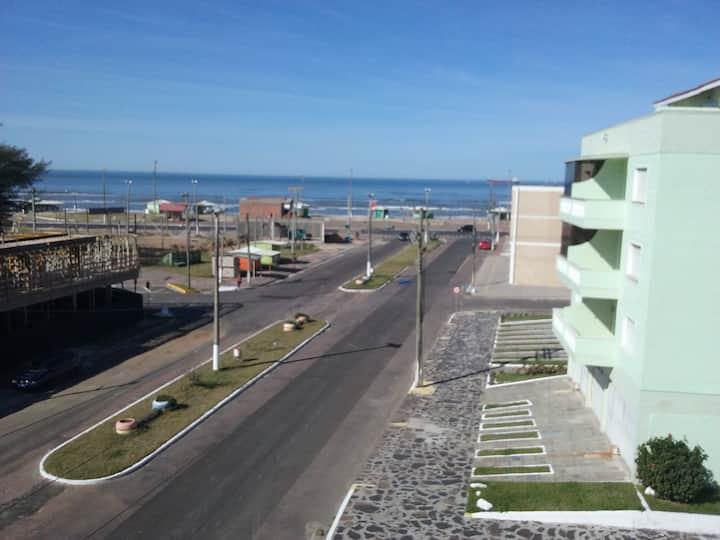 Tramandaí - Apartamento com vista para o mar