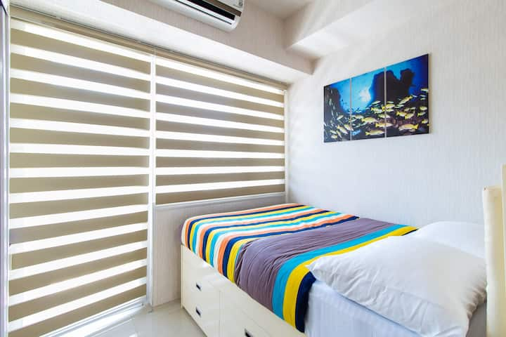 Classy 1BR at Mall of Asia Complex