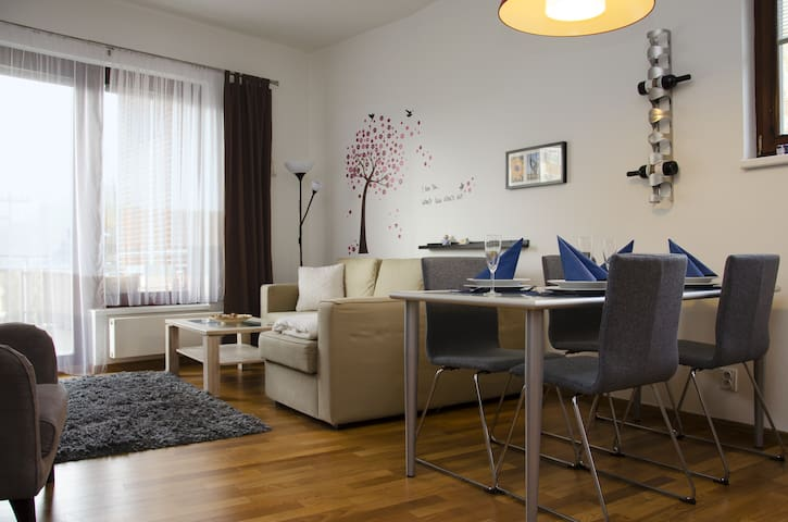 NICE APARTMENT IN PEACEFUL PLACE, AIRPORT 15 MIN