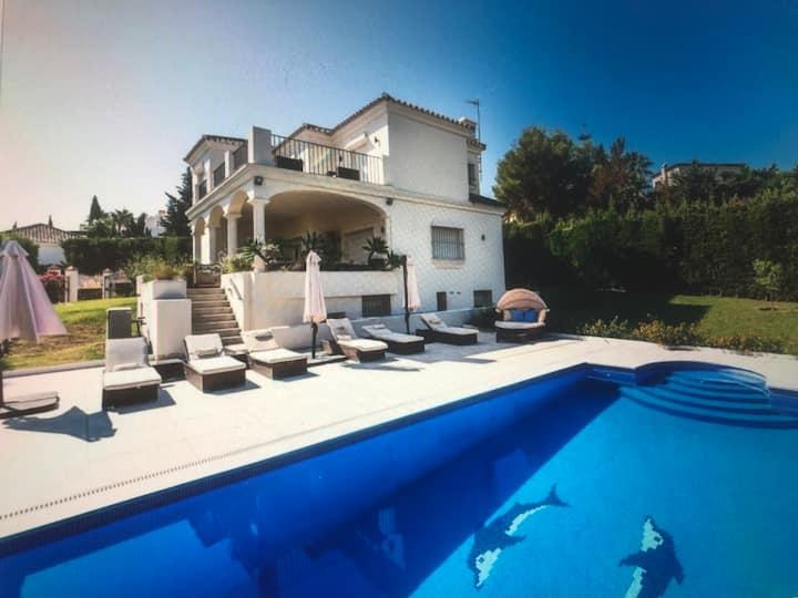 Luxury Villa with heated pool  near Puerto Banus