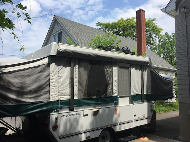 """Super cute and spacious 15"""" pop-up trailer"""
