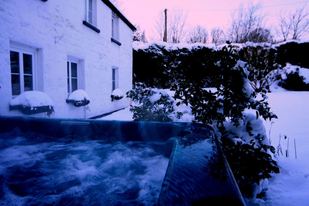 Hot tub fabulous in cold weather