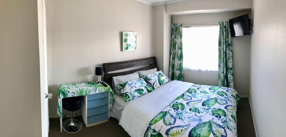 Highland Park Holiday House Room 2