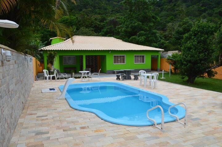 Linda Casa de Praia pé na areia -Ilha de Itacuruçá