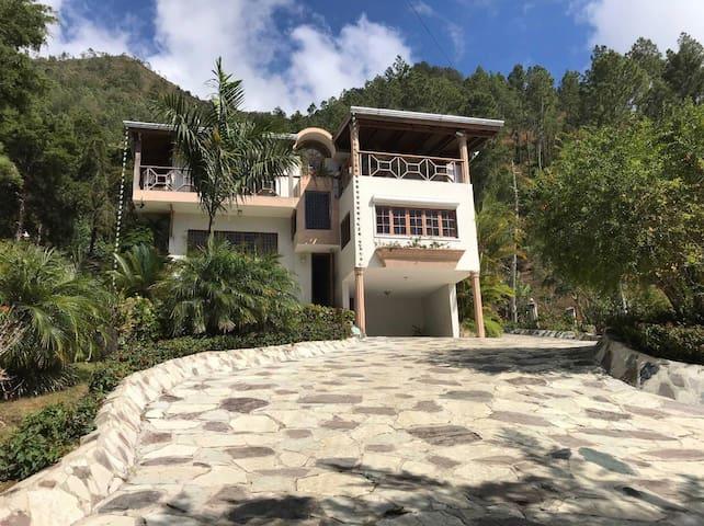Cozy, Beautiful & Peaceful Villa in Constanza