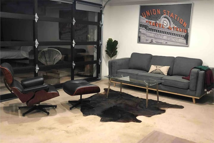 Modern Studio 3 miles from Old town Scottsdale