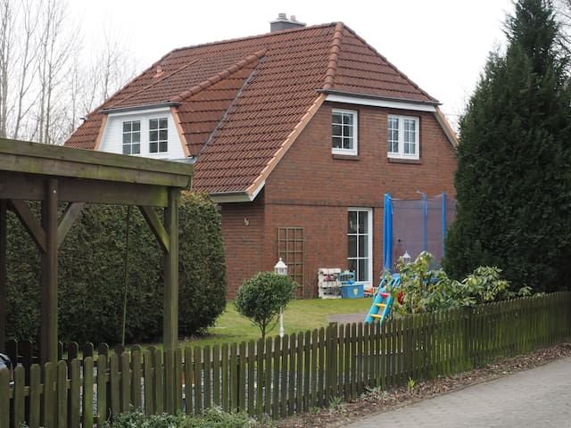 Complete House for family with kids - Norderstedt - Casa