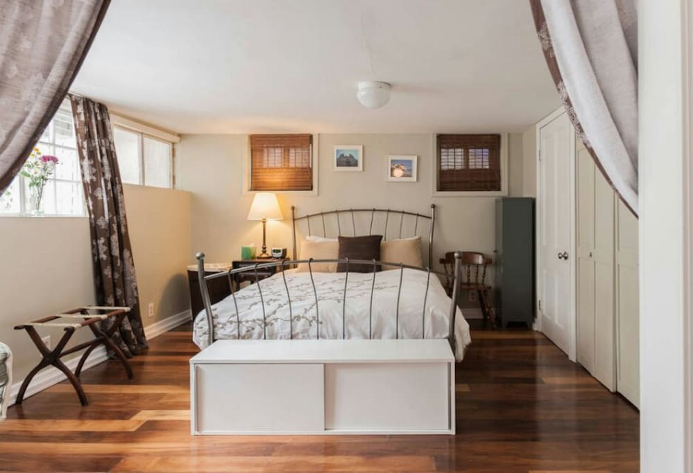 Spacious Bedroom Apartment Apartments For Rent In