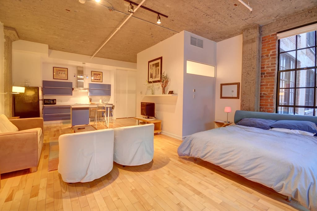 Sunny Old Montreal Loft - Apartments for Rent in Montréal ...