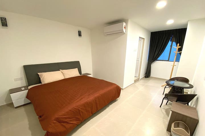 King bedroom in KLCC, direct link to Pavilion Mall