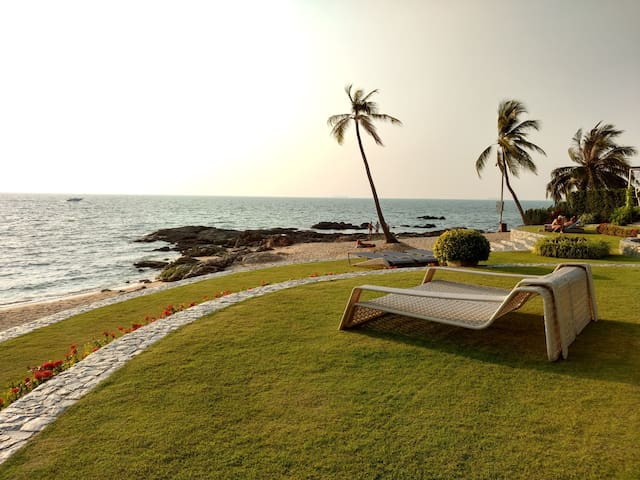 Absolute Beachfront, Ocean Suite - Muang Pattaya - Daire