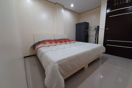ERM Residences VIII, good for 9 pax