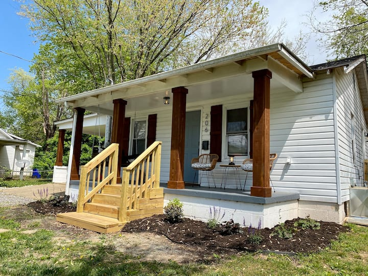 Just renovated! Modern Retreat in Franklin KY