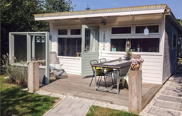 Holiday cottage with 1 bedroom on 45m² in Limmen