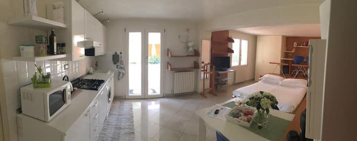 Bright Studio Flat in Villa