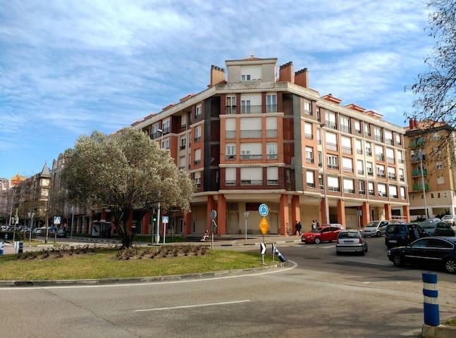 Apartamento con garaje - Santander - Apartemen