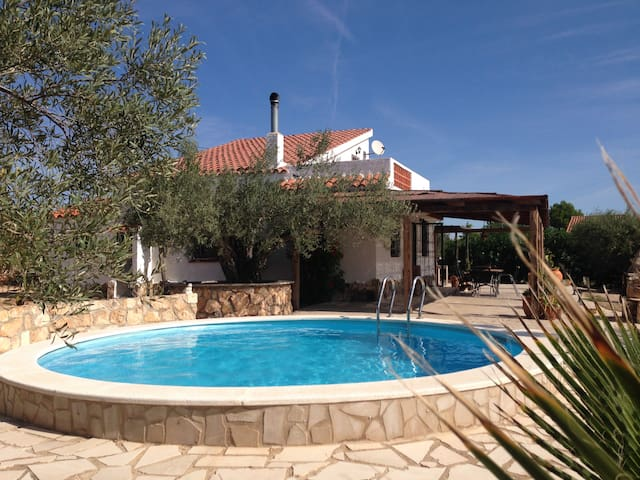 House with seaview airco wifi pool - L'Ampolla - Cabaña