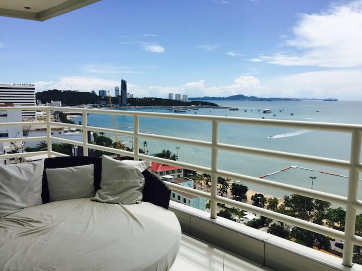 Pattaya Beach Condo By Honey Corner Suite