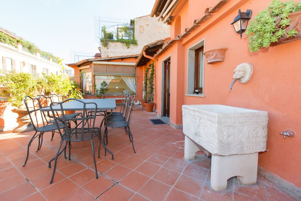 Spanish steps terrace 4br attic flats for rent in rome for Terrace steps