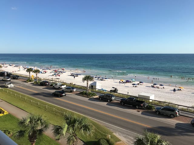 Unobstructed Gulf View in Prime Location!