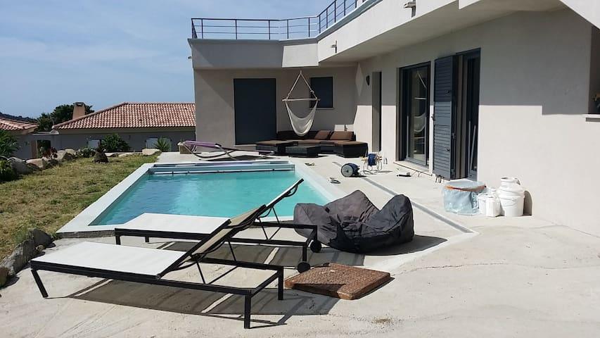 Atypique villa T4, 10 minutes des plages de Calvi. - Calenzana - Willa