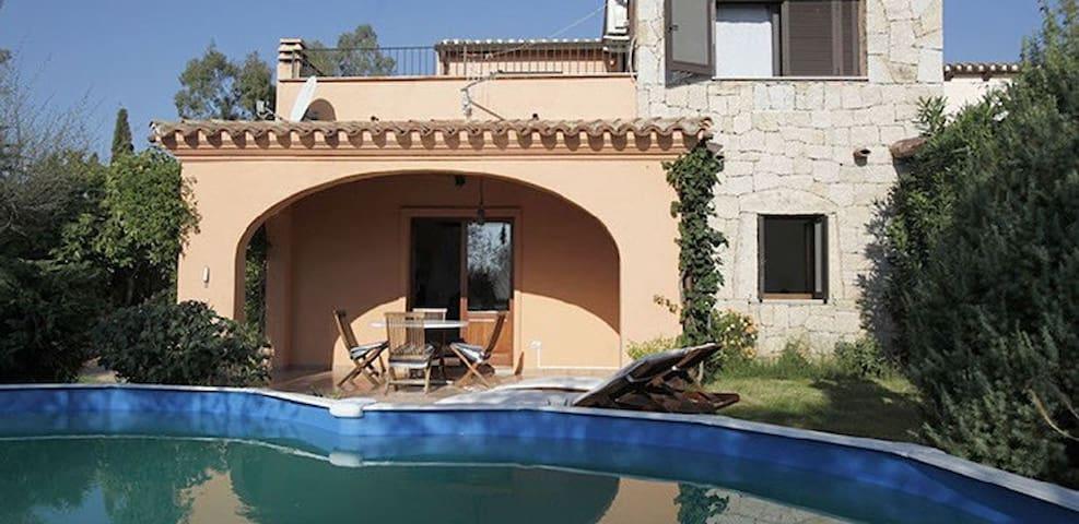 villetta con piscina - San Teodoro - Villa