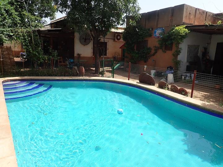 la VILLA SOLEIL... avec piscine, au calme de Ouaga