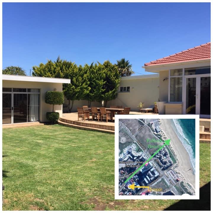 Lovely house 2 min walk from beach