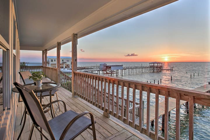 Luxe Waterfront Lake Pontchartrain Home w/ Dock!